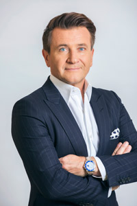 Robert Herjavec headshot